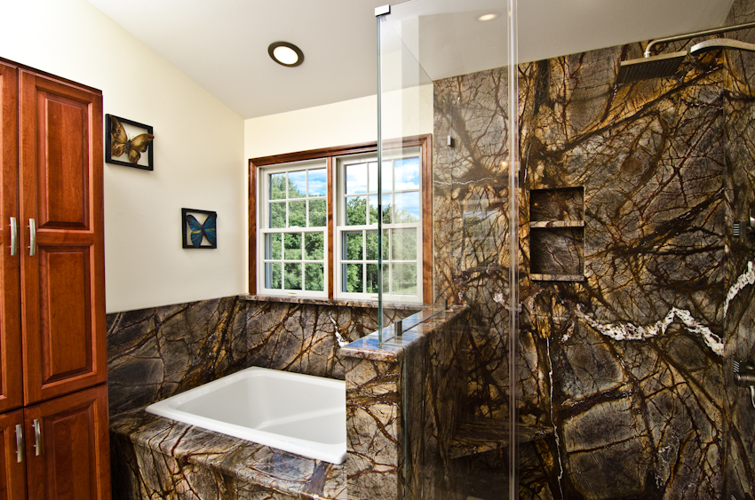 Rainforest Brown Bathroom